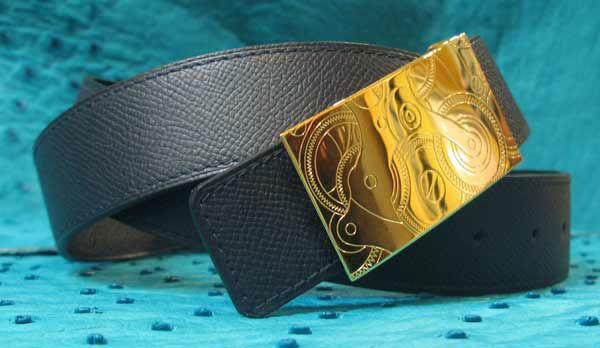Boucles horlogères pour ceintures en cuir à l'Atelier du Bracelet Parisien