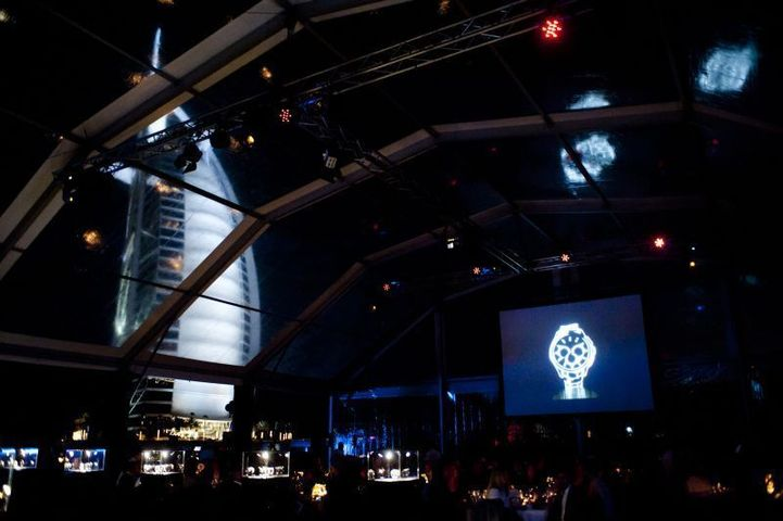 Dubaï : Rado dévoile la Rado HyperChrome sous le soleil… exactement