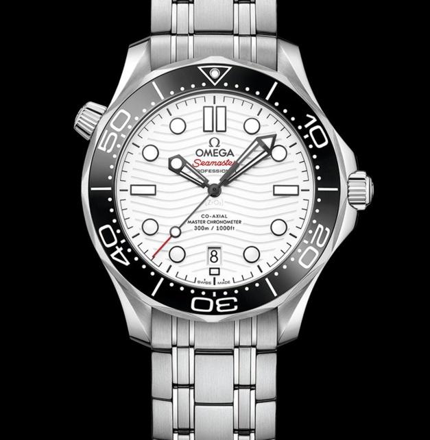 Omega Seamaster 300 : un cadran blanc en eaux profondes