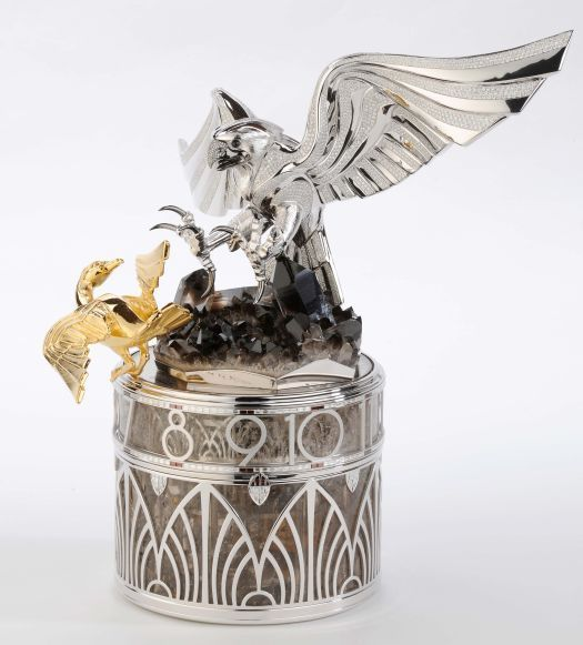 Le faucon et l'outarde ou l'art de la fauconnerie en pendulette de table selon Parmigiani Fleurier
