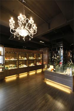 Hong Kong : London Watch and Collection, des montres de luxe d'occasion et des Pro-Hunter