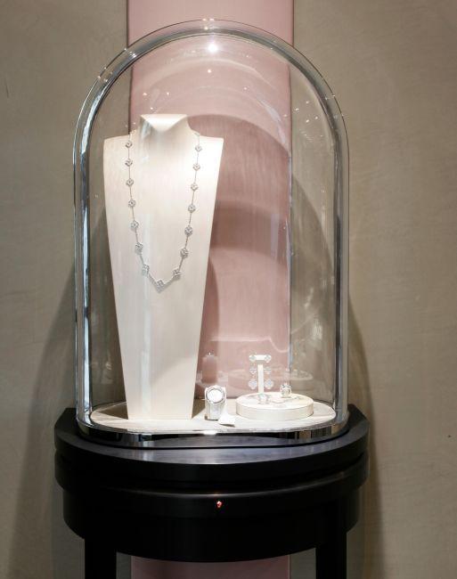 Van Cleef & Arpels : un nouveau décor pour sa boutique de la rue de la Paix à Paris