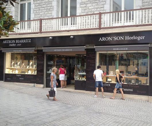 Aron son Biarritz