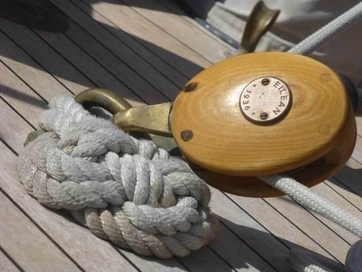 Eilean : visite guidée du splendide ketch bermudien d'Officine Panerai