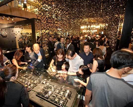 Hublot : un pop-up store à Singapour avec The Hour Glass