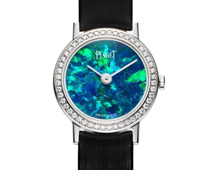 Altiplano 24mm Cadran Pierre Dure en or blanc sertie de diamants, cadran en opale, mouvement quartz Piaget 690P
