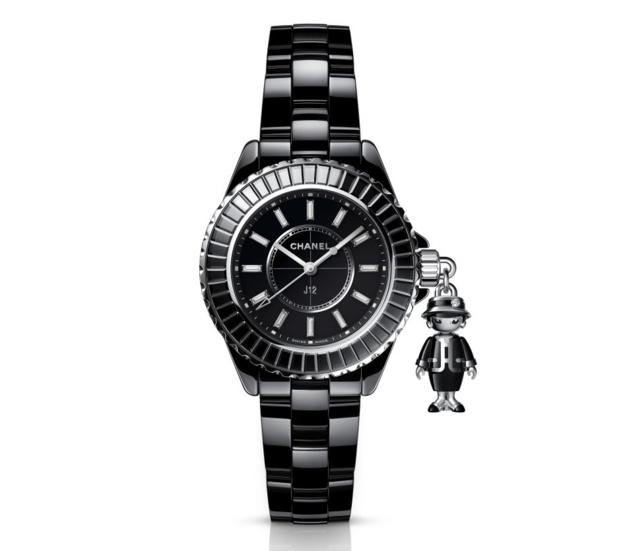 Chanel Mademoiselle J12 : montre à pampille