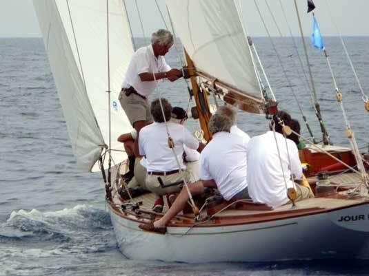Panerai Classic Yachts Challenge 2013 : coup d'envoi avec l'Antigua Classic Yacht Regatta