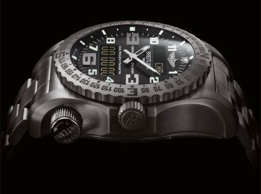 Breitling Emergency II : la montre qui peut vous sauver la vie