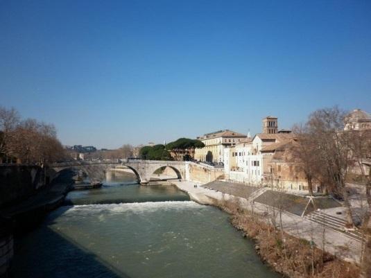 Rome : de fausses montres de luxe vendues dans certaines boutiques de la capitale italienne