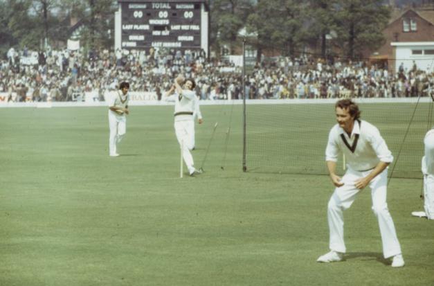 Partie de cricket de 1975 Photo d'Annie Spratt for Unsplash