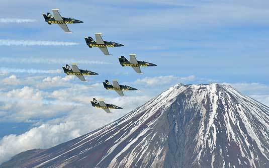 Breitling : le Breitling Jet Team survole le Mont Fuji