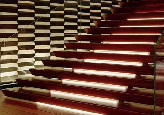 escaliers du stand Rolex Foire de Bâle 2013