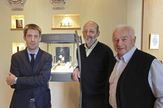 Lucas Pouedras, directeur de la boutique avec Henri Pescarolo et Jean-Pierre Beltoise