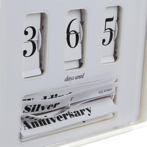 Mister Jones Wedding Anniversary Clock : compte à rebours de votre anniversaire de mariage…