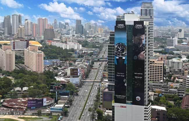 Oris : gros coup de pub à Bangkok