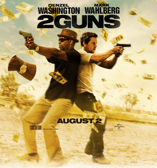 2 guns : Denzel Washington porte une Rolex Daydate en or jaune