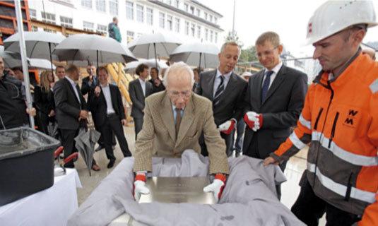 Lange & Söhne : pose de la première pierre de l'extension de sa Manufacture à Glashütte