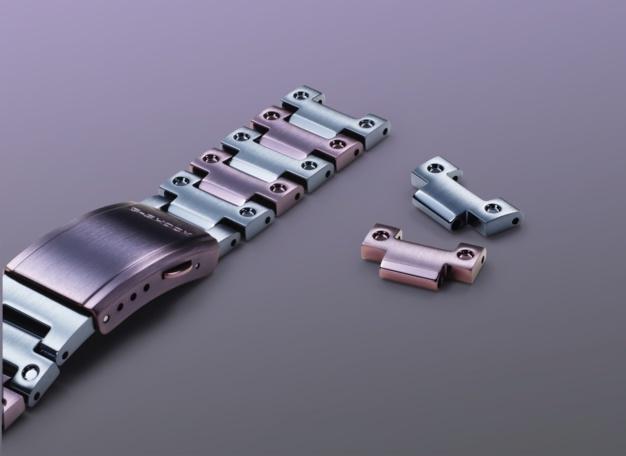 G-Shock GMW-B5000PB : un nouveau modèle bicolore en métal irisé violet et bleu
