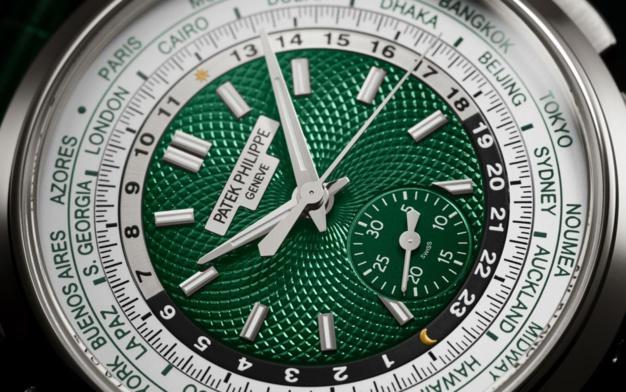 Patek Philippe Chronographe à Heure Universelle réf 5930P : se met au vert et au platine