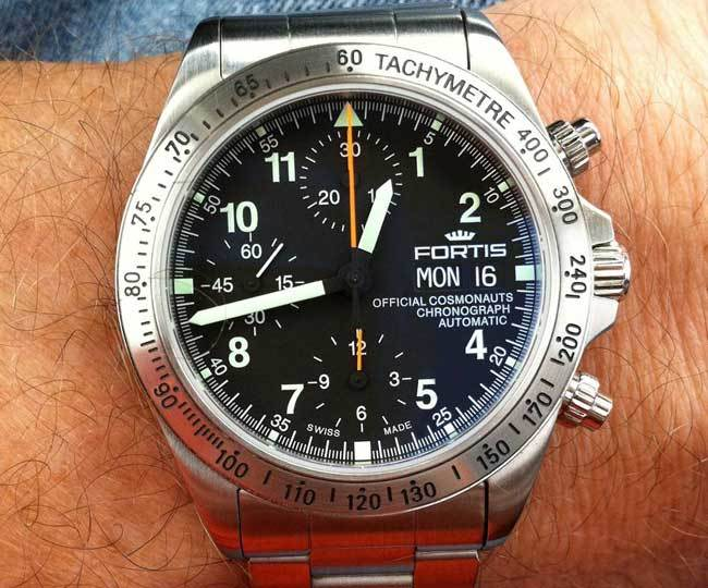 La stratégie Ender : Harrison Ford porte une montre Fortis Cosmonauts Chronograph