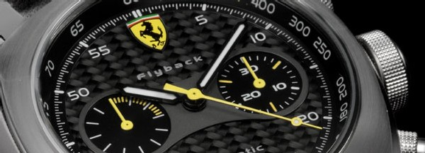 La collection Ferrari Scuderia d'Officine Panerai arbore fièrement l'écusson au cheval cabré