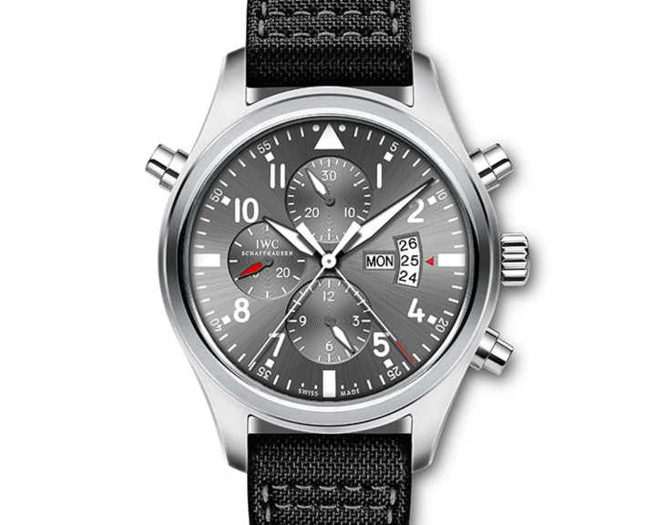 IWC : une montre d'aviateur Double Chronographe pour la Patrouille Suisse