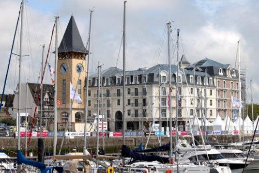 Deauville inauguration de la tour de la r sidence de l - Appartement de standing horloge tower ...