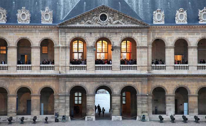Bell & Ross s'invite aux Invalides