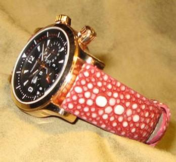 Une belle Jaeger-LeCoultre sur bracelet en galuchat copyright ABP