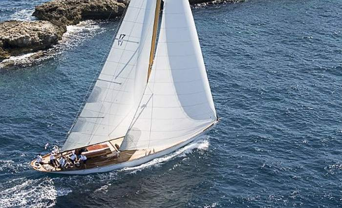 Panerai Transat Classique : sept hommes et le voilier The Blue Peter au départ de cette régate