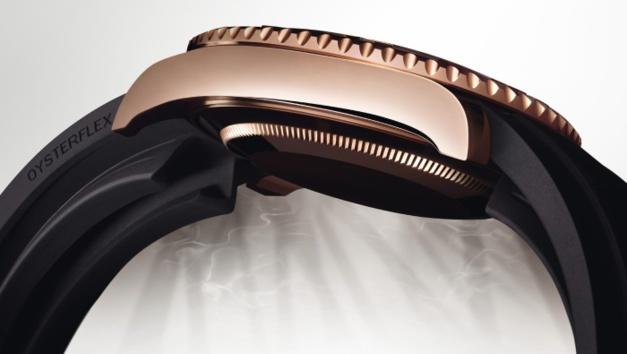 Rolex Yacht-Master : nouvelle déclinaison en or rose et... élastomère !