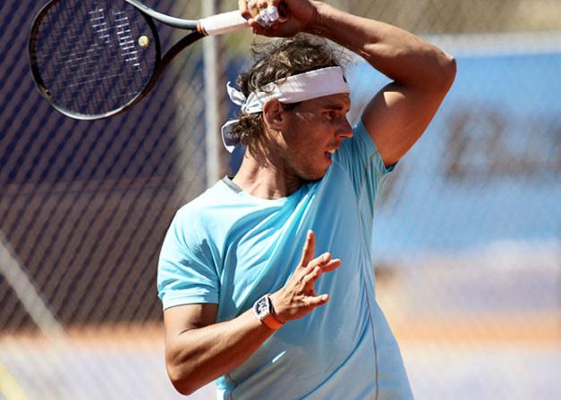 Roland Garros 2015 : Nadal et Wawrinka jouent avec leurs montres au poignet…