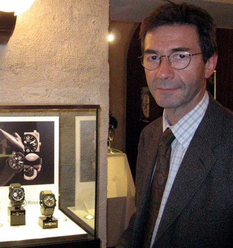 Portrait de Patrick, membre éclairé, passionné par les belles mécaniques