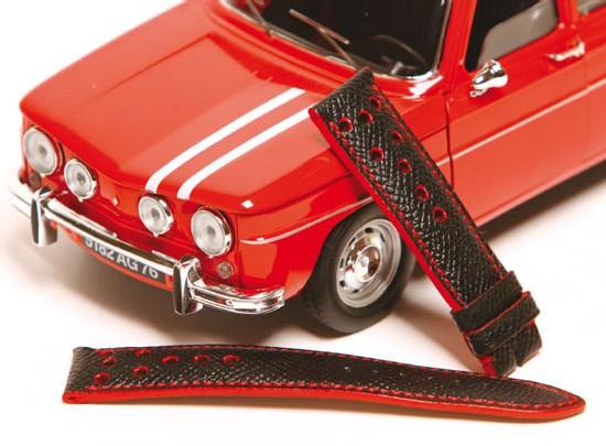 Bracelet en veau grainé avec trous sport fins, couture et tranches rouges