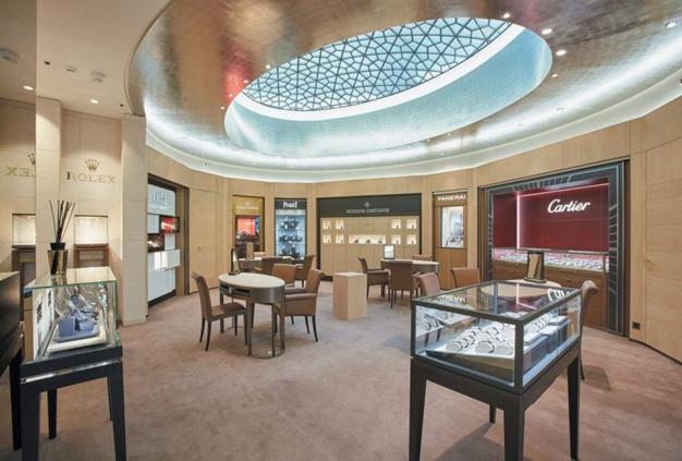 Dubail ouvre sur les Champs-Elysées