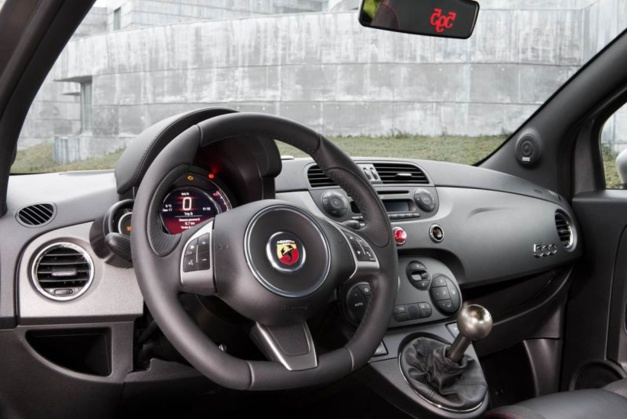 Abarth Competizione by TAG Heuer : une voiture toujours à l'heure