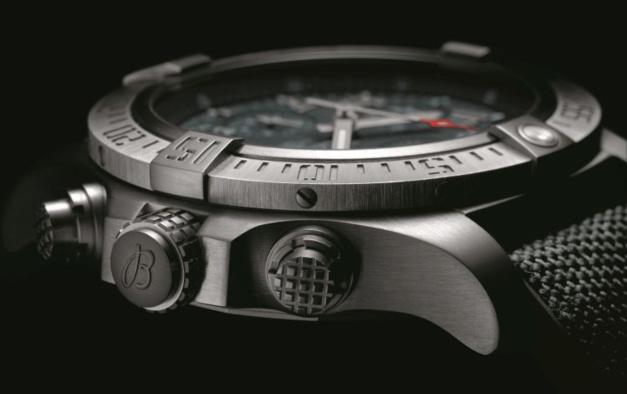 Breitling Avenger Bandit : montre furtive