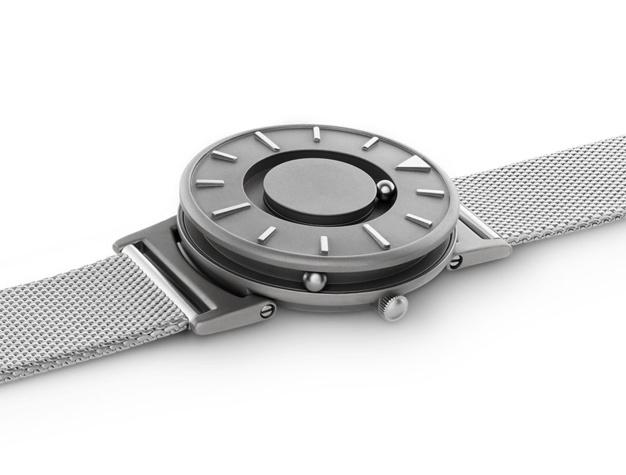 Eone Bradley : quand une montre pour non-voyants devient une montre design