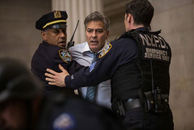 Money Monster : George Clooney porte une Speedmaster en or jaune