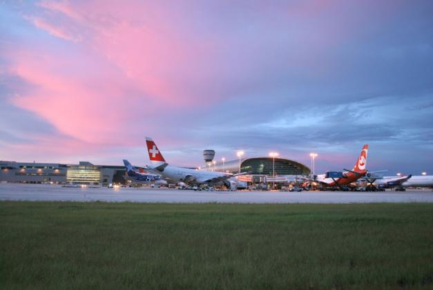Des horloges bovet rythment le temps l 39 a roport de miami - Bureau de change aeroport de bordeaux ...