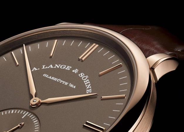 Lange Saxonia Automatique : cadran brun sur or rose ou gris