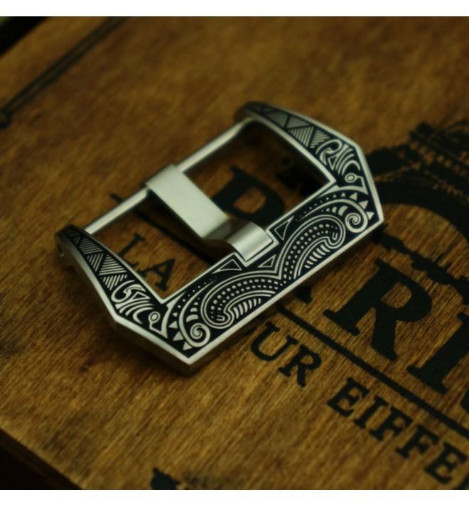 "Misterchrono : boucle avec gravures ""Maori"""