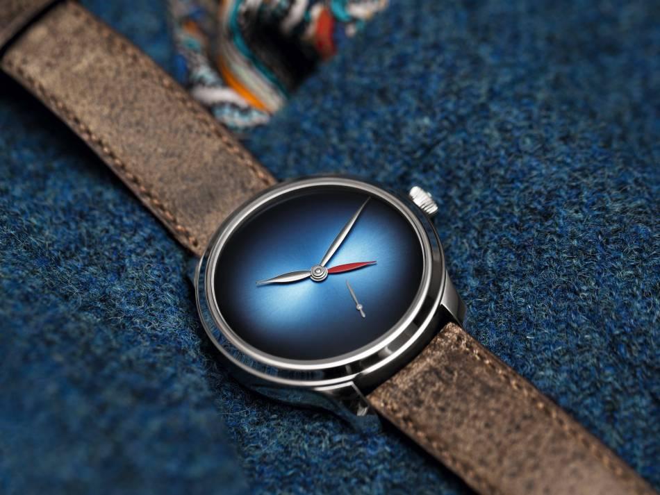 Moser Endeavour Dual Time Concept