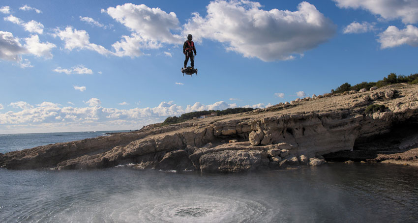 Breitling : Franky Zapata sur Flyboard Air, le fou du volant