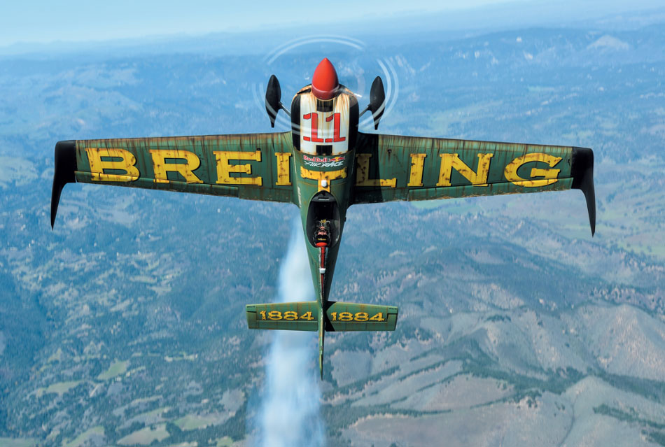 Championnat Red Bull Air Race : Mike Brageot intègre la Breitling Racing Team