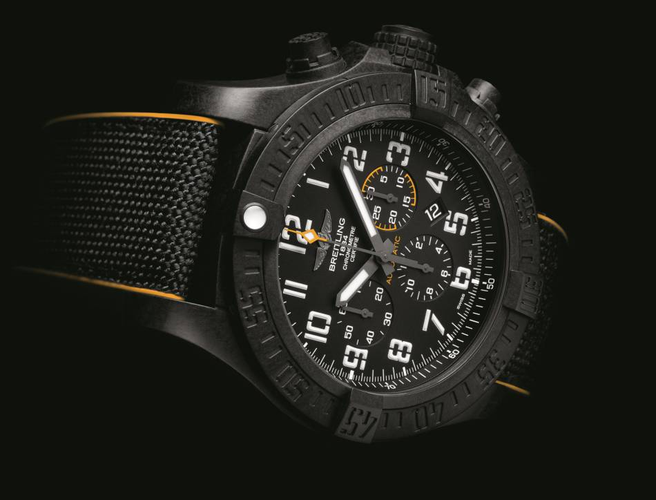 Breitling Avenger Hurricane 12h : un imposant boitier mais un poids plume