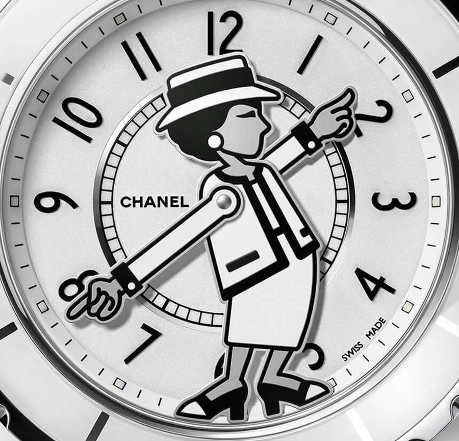Chanel Mademoiselle J12 : dans les bras du temps