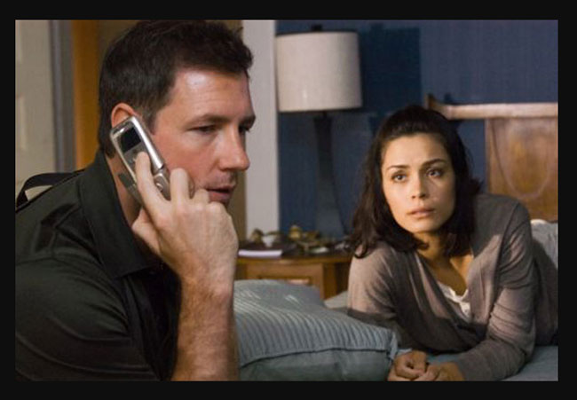 One missed call : Edward Burns porte une Hamilton Jazzmaster