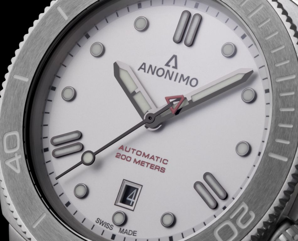 Anonimo Nautilo Bianco : habillée pour l'hiver